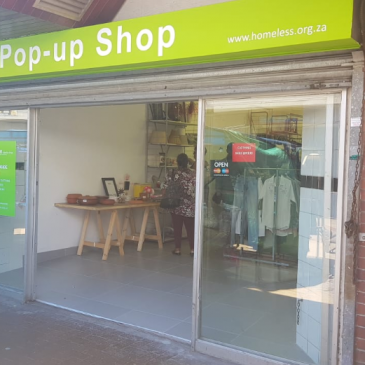 Opening of U-Turn secondhand clothing store